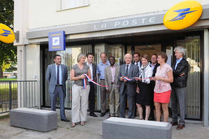 ville de metz inauguration du bureau de poste de bellecroix. Black Bedroom Furniture Sets. Home Design Ideas