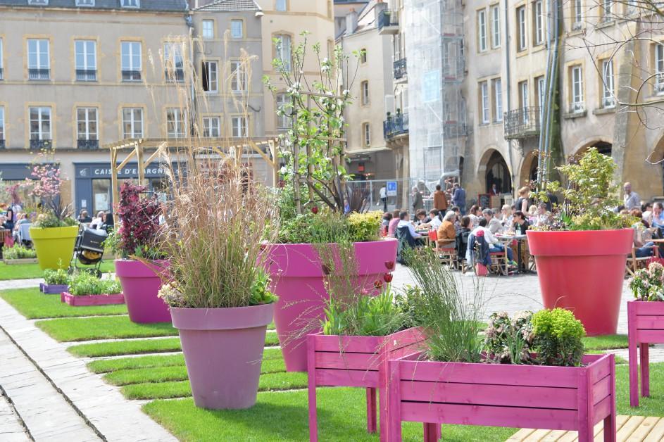 Ville de metz jardin de printemps place saint louis for Jardin fabert metz