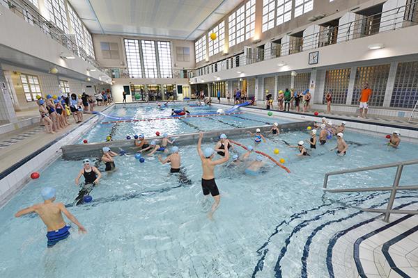 Ville de metz piscine du square du luxembourg for Piscine lothaire